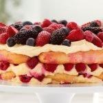 бишкотена торта с плодове
