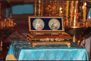 Чудотворните мощи на Света Галина и Света Агатия, поставени в изящния реликварий