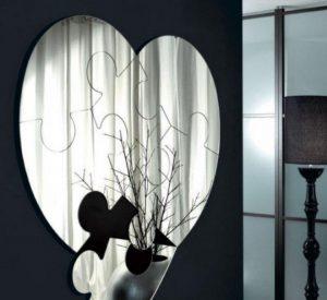 Духове на починали близки търсят лошите места в дома ви