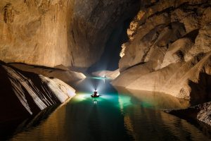 Тази пещера във Виетнам е невероятно красива