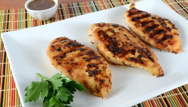 пилешки гърди с мед, лимон и горчица