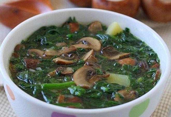 гъбена супа със спанак