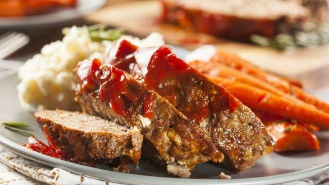 свинско руло с бекон и гъби