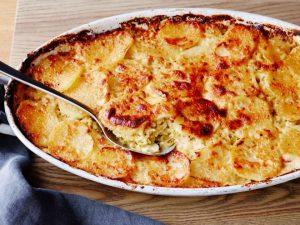 картофи с бекон, праз и сирене