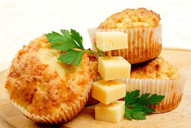 пухчета със сирене и яйца