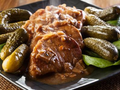 свинско филе с винце и гъби