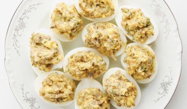 пълнени яйца с вкусна плънка