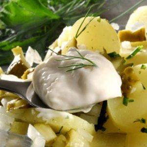 картофена салата със сос Тартар