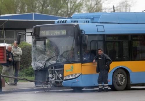 катастрофа с тролей и автобус