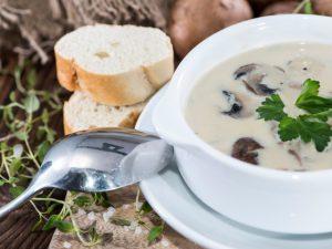 гъбена супа с масло