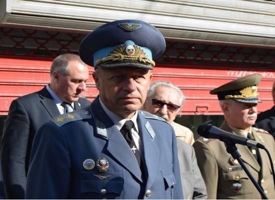 дипломиран български летец