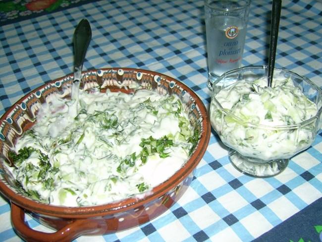 млечна салата с тученица