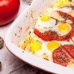 пъдпъдъчи яйца върху домати по провансалски