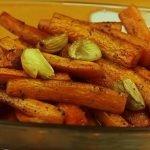 медени моркови на фурна