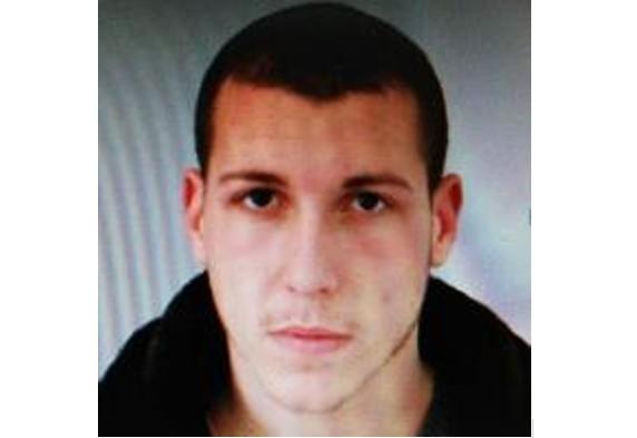 МВР издирва 23-годишния Захари полицай