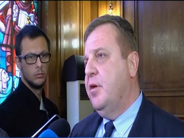 министър Каракачанов