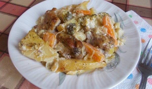 свинско със зеленчуци и уникален сос