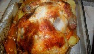 Ароматная и очень вкусная жареная курица с плавленым сыром в конверте