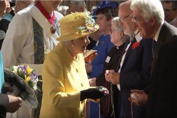 кралица Елизабет Втора традиция