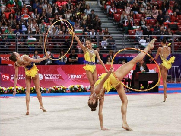 Великден художествена гимнастика