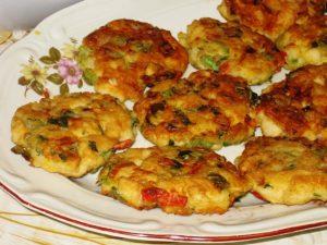 пилешки кюфтета със зеленчуци