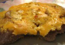най-крехките пържолки с топено сирене