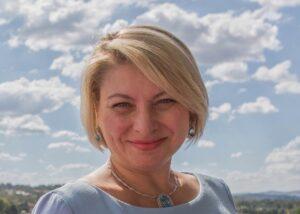 Анджела Пърл
