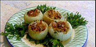 пълнен лук с гъбки и ориз