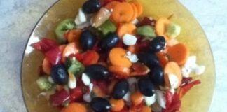 гръцка салата в буркани
