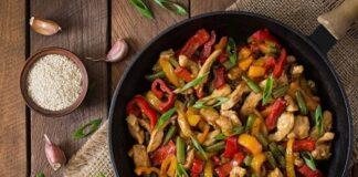 мръвчици със зеленчуци на тиган