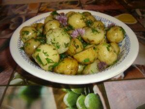 пресни картофки под капак
